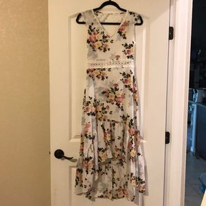 Floral dress with keyhole back